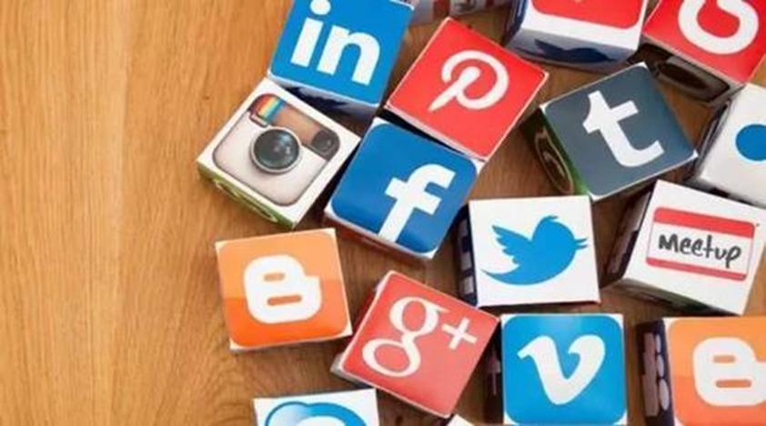 社交媒体公司要求创作者在禁闭期间制作在家视频