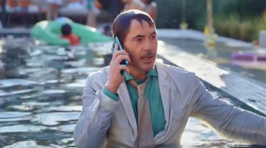 小罗伯特唐尼在新的OnePlus 8 Pro促销视频中担任主角