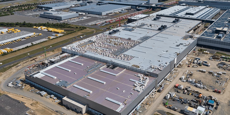 保时捷在莱比锡为E-Macan建立车身修理厂
