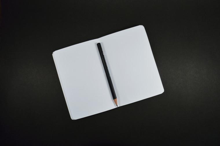 研究人员构建了一种基于铅笔纸的生物特征可穿戴设备,该设备可以监控人体信号