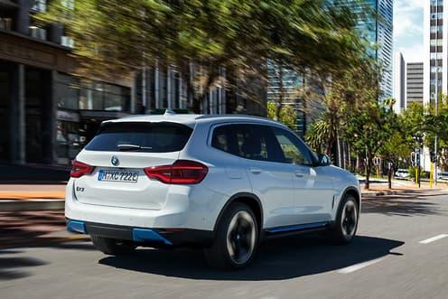 宝马iX3电动SUV到2021年