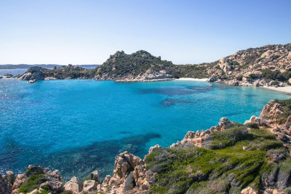 瑰丽酒店将于2022年在撒丁岛开业