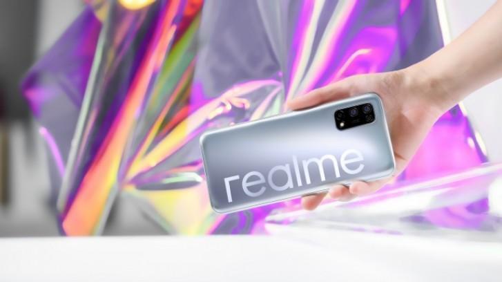 Realme V5配备打孔显示器和48MP四摄像头