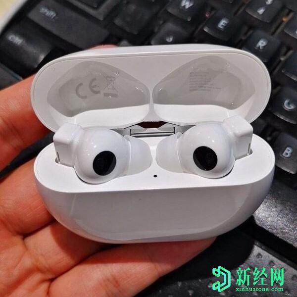 华为FreeBuds Pro耳机泄漏出非常熟悉的设计