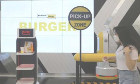 AI机器人为韩国的餐厅客户提供服务
