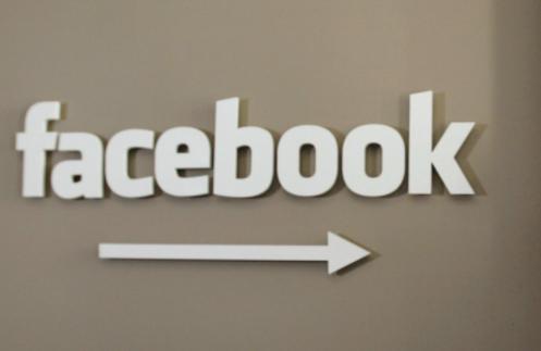 Facebook希望苹果让第三方应用程序代替iPhone上的iMessage