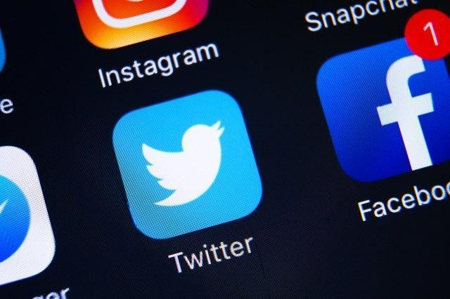 """Twitter的"""" Birdwatch""""是对抗错误信息的实验"""