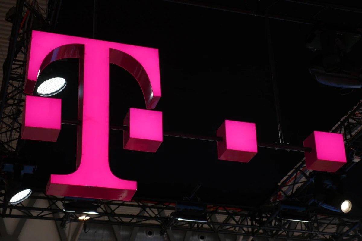 一些5G苹果 iPhone 12买家可能需要切换到T-Mobile