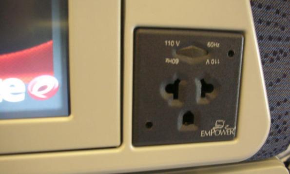 飞机上手机可以充电吗,你一点想不到