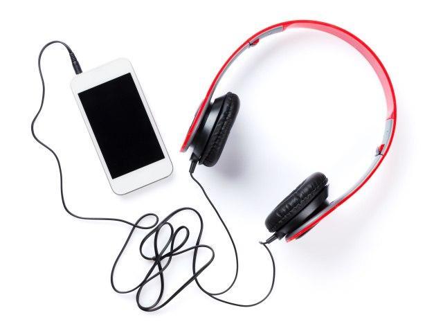 Apple Music,Spotify和其他服务在调查后拉动种族主义音乐