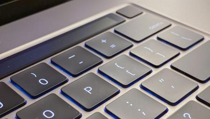 MacBook Air键盘惊喜:新按键有什么用?