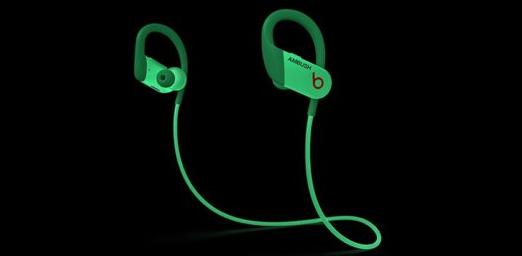 苹果Beats推出可在黑暗中发光的耳机