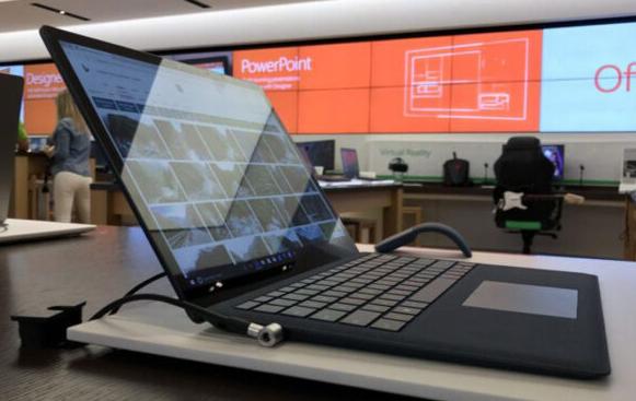 搭载AMD处理器的微软Surface即将上�