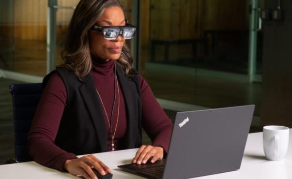 联想ThinkReality智能眼镜在CES上大放异彩