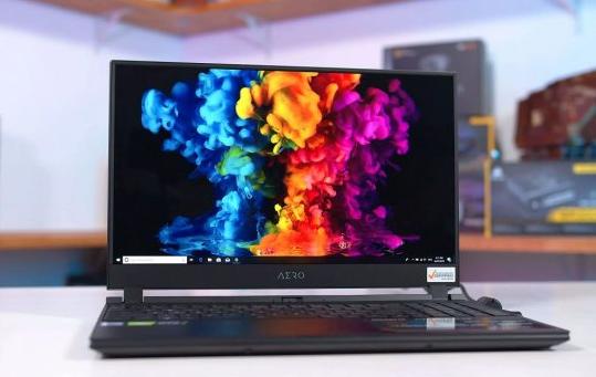 三星开始为笔记本电脑生产90 Hz OLED面板