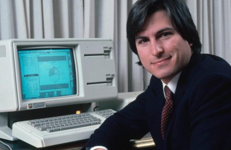 苹果市值最高的公司已有45年历史