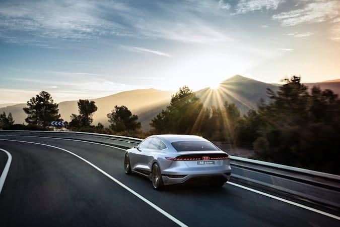 奥迪在上海2021年汽车展之前推出其A6 e-tron概念车
