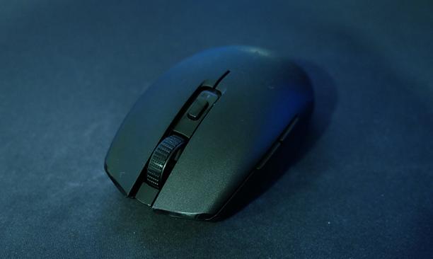 Razer Orochi V2评测:为小手游戏玩家设计的鼠标
