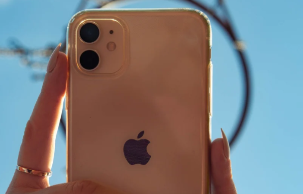 互联网信息:iPhone 13 Pro Pro Max再次曝光具有三星120Hz刷新率屏幕