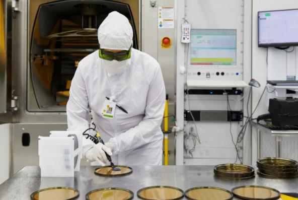 苹果公司向光学技术公司II-VI授予了4.1亿美元的奖励