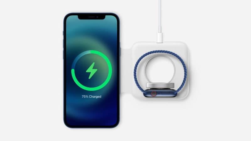 苹果的MagSafe充电器,iPhone外壳等。现在正在出售