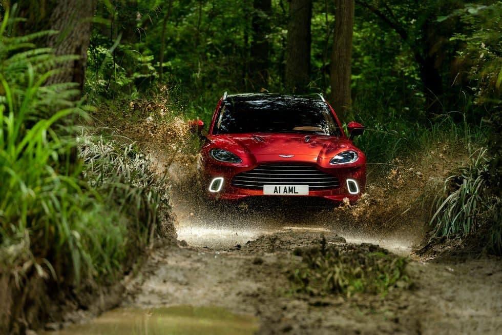 阿斯顿·马丁(Aston Martin)的新老板重新构想了从DBX到Valkyrie的未来汽车