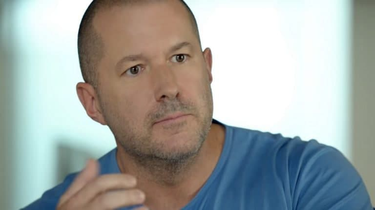 苹果设计奇才乔尼艾弗帮助设计了新的iMac