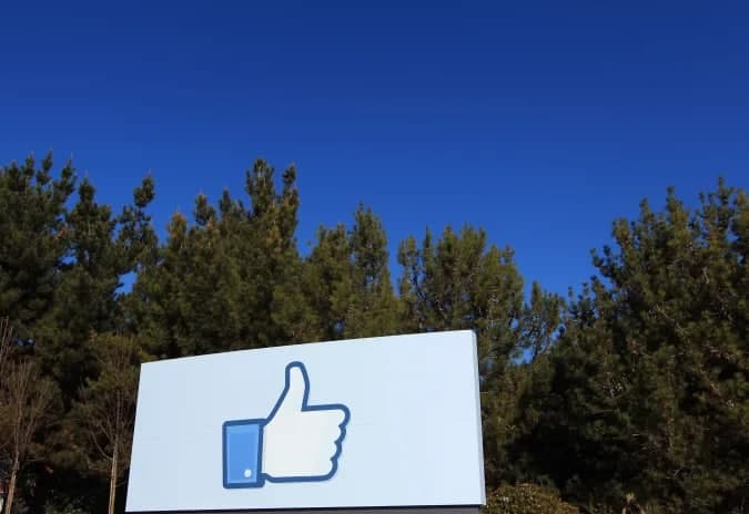 "Facebook的""公告""通讯平台可能会在6月底之前推出"