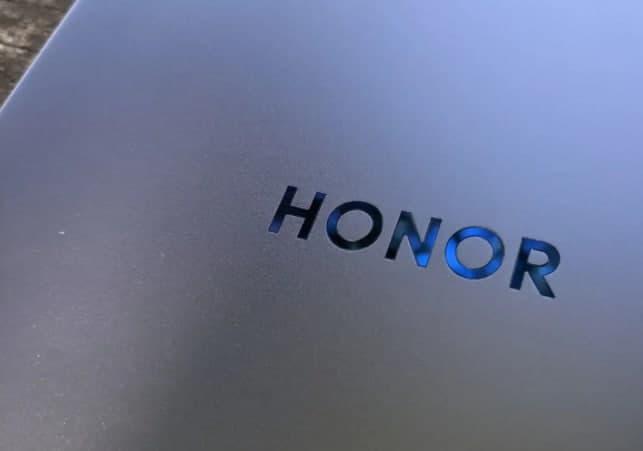 HONOR致力于折叠智能手机,明年推出