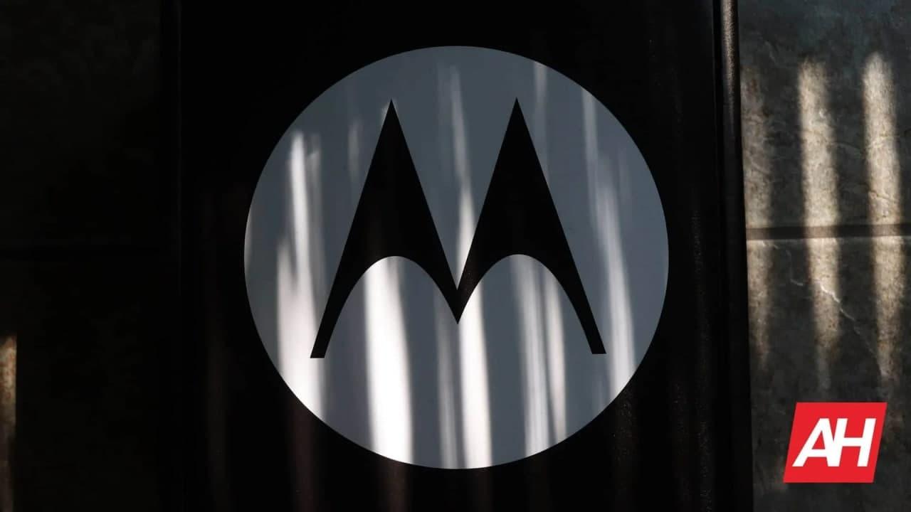 摩托罗拉Edge 20 变体详解,颜色选项揭晓