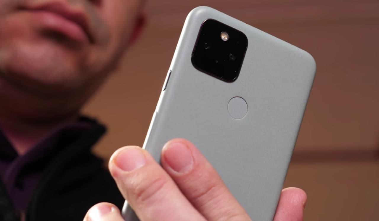 谷歌 Pixel Fold 今年仍步入正轨,采用超薄玻璃