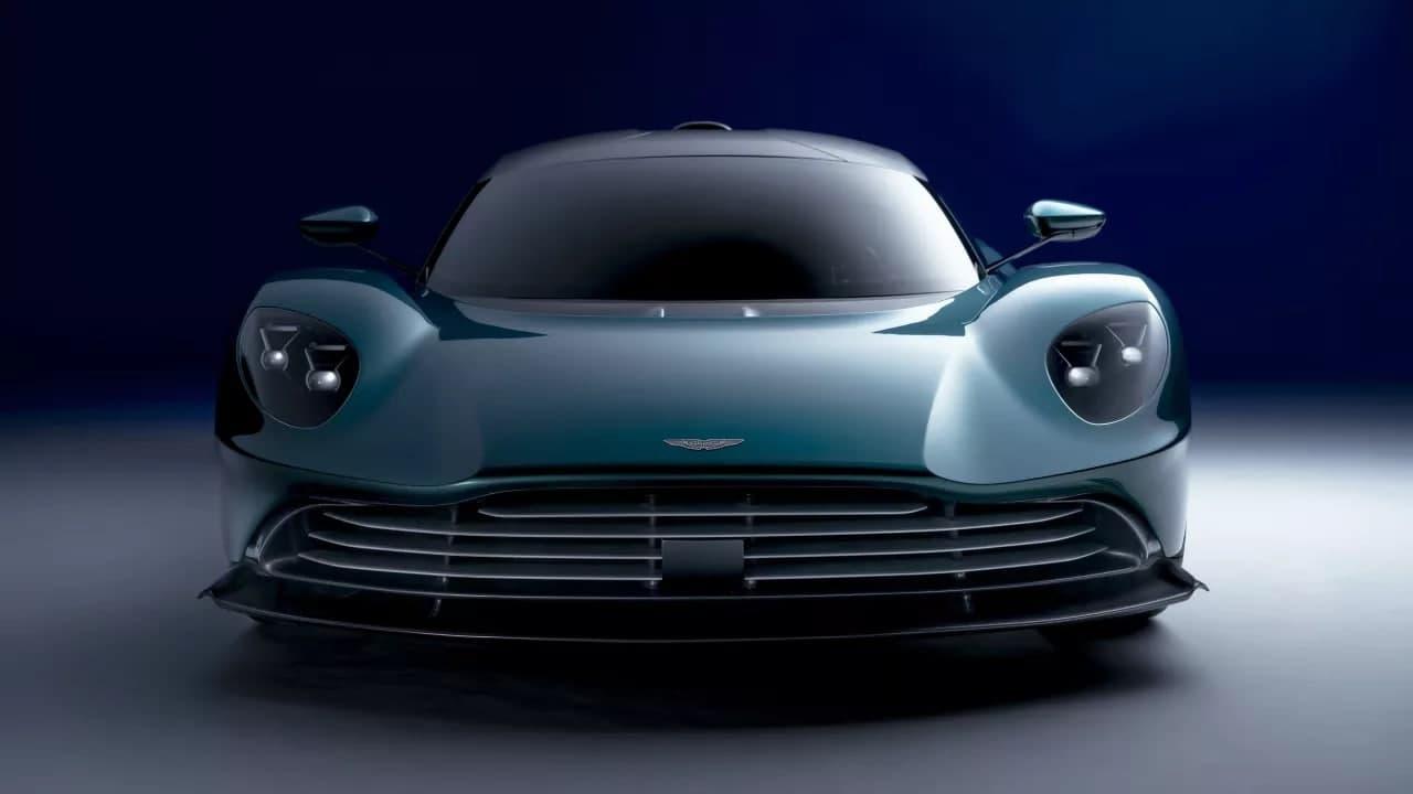 Valhalla 是一款可量产的超级跑车,配备全新 950PS 混合动力系统