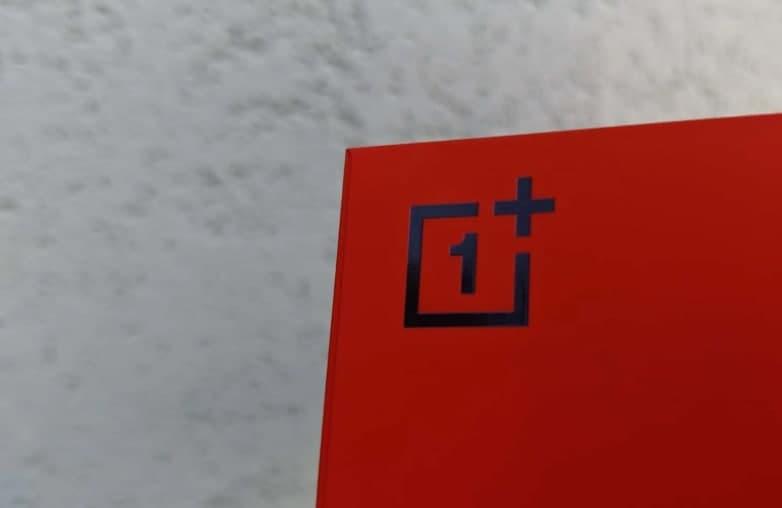 新泄漏以红色显示OnePlus Nord 2