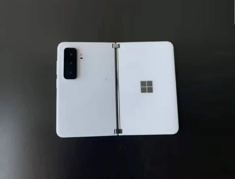 微软Surface Duo 2 图像泄露,揭示三重摄像头系统