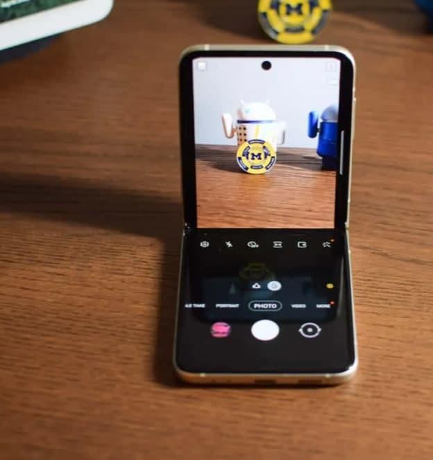 如何在 Galaxy Z Flip 3 上强制应用程序进入 Flex 模式